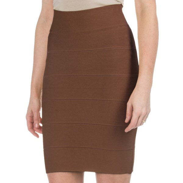 2NDS . This sleek stretch-knit skirt perfectly hugs your curves for an appealing feminine look, and the multi-panel design adds texture for increased visual interest. Available Colors: MUSTARD, BROWN. Sizes: XS, S, M, L.