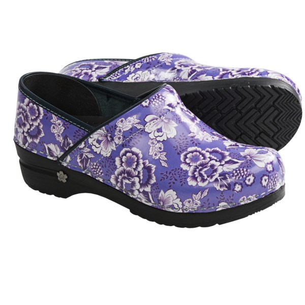 CLOSEOUTS . Just because youand#39;re at work doesnand#39;t mean you canand#39;t work it in Sanitaand#39;s Professional Sunshine Rose clogs! The fun, detailed floral print and vibrant colors make a sweet statement while you enjoy the anatomically shaped design all day long. Available Colors: CEIL. Sizes: 35, 36, 37, 38, 39, 40, 41.