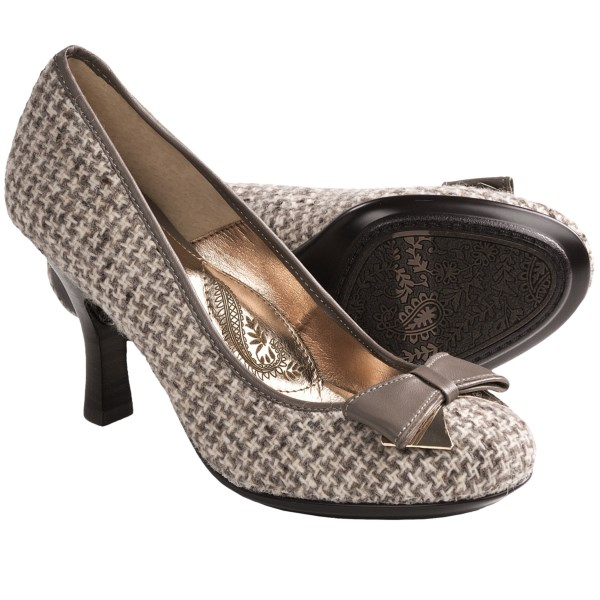 CLOSEOUTS . An absolutely gorgeous pair of kitten heels, Sofftand#39;s Festival pumps boast an elegant silhouette accented by a leather bow with a metallic underlay. Available Colors: BLACK, GREY, MAUVE GREY SUEDE, COFFEE BEAN. Sizes: 6, 6.5, 7, 7.5, 8, 8.5, 9, 9.5, 10, 11.