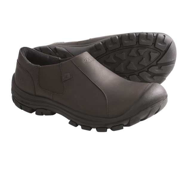 CLOSEOUTS . A supportive, slip-on design with sleek casual style and comfortable Keen footbed, Keen Ontario shoes are a travelling manand#39;s best pal, a homebodyand#39;s go-to shoe and an office guyand#39;s casual Friday favorite. Available Colors: BLACK, SLATE BLACK. Sizes: 7, 7.5, 8, 8.5, 9, 9.5, 10, 10.5, 11, 11.5, 12, 13, 14, 15.