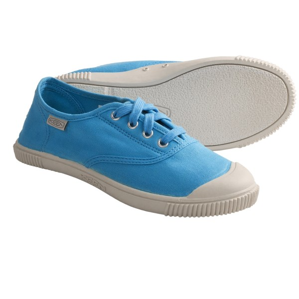 CLOSEOUTS . Keenand#39;s Maderas oxford shoes add spunk to your young oneand#39;s outfit. Soft canvas and a non-marking rubber outsole make these fun kicks a true winner. Available Colors: LILAC CHIFFON, NORSE BLUE. Sizes: 8, 9, 10, 11, 12, 13.