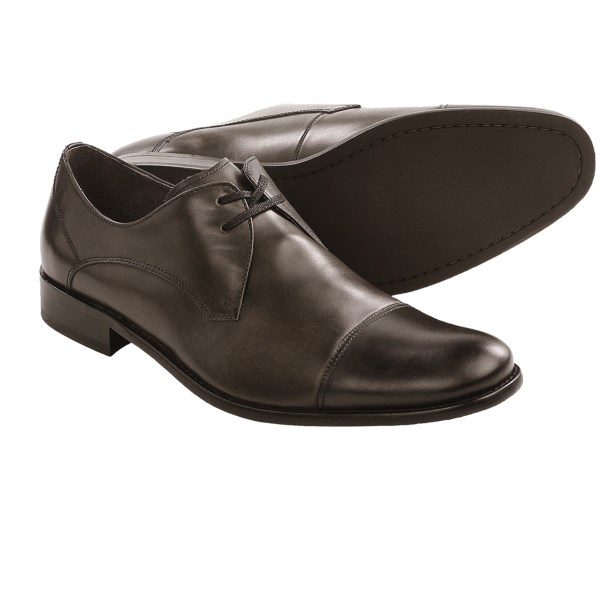 CLOSEOUTS . A perkily upturned cap toe supplies these John Varvatos Star USA Star dress shoes with ample personality, and the sleek leather construction makes them appropriate for even the most formal occasions. Available Colors: BLACK CALF, LEAD CALF. Sizes: 8, 8.5, 9, 9.5, 10, 10.5, 11, 11.5.