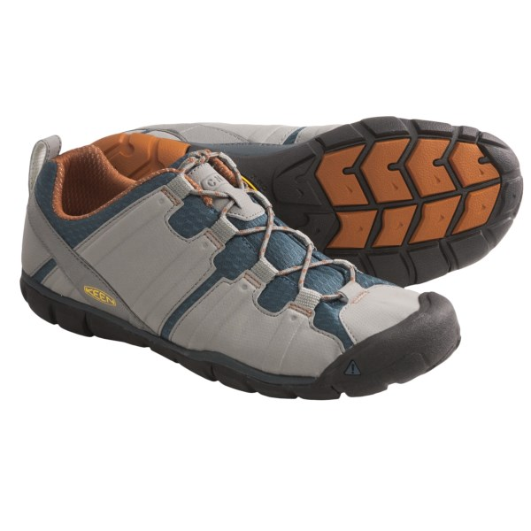 CLOSEOUTS . For the barefoot minimalist in the market for a hiking shoe, Keenand#39;s Tunari CNX is a comfortable multi-sport option -- low profile, comfortable, great looking and offering good stability and support in a streamlined package. Available Colors: GARGOYLE/BOMBAY BROWN, CHOCOLATE BROWN/TAWNY OLIVE, BLACK/BURNT HENNA. Sizes: 7.5, 8, 8.5, 9, 9.5, 10, 10.5, 11, 11.5, 12, 13, 14, 7, 15.