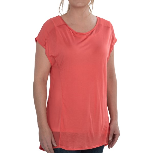 CLOSEOUTS . A fantastically fun, yet still elegant, option for girlsand#39; night out, this August Silk Hi-Low shirt is styled of sheer, jersey-soft fabric with a split back and airy sleeve and side panels. Available Colors: BLACK, SEA SALT, WARM CORAL, PINK SIZZLE, SEASIDE AQUA, SAILOR BLUE, PARISIAN NAVY, GREEN PRAIRIE. Sizes: S, M, L, XL.