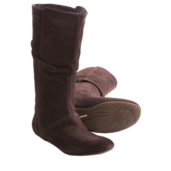 CLOSEOUTS . Have you been feeling the urge to enjoy some cute all-season style lately? Patagoniaand#39;s Maha Slouch boots will certainly fulfill your desire, with their double-stitched suede and comfy-soft lining. Available Colors: ESPRESSO. Sizes: 5.5, 6, 6.5, 7, 7.5, 8, 8.5, 9, 9.5, 10.