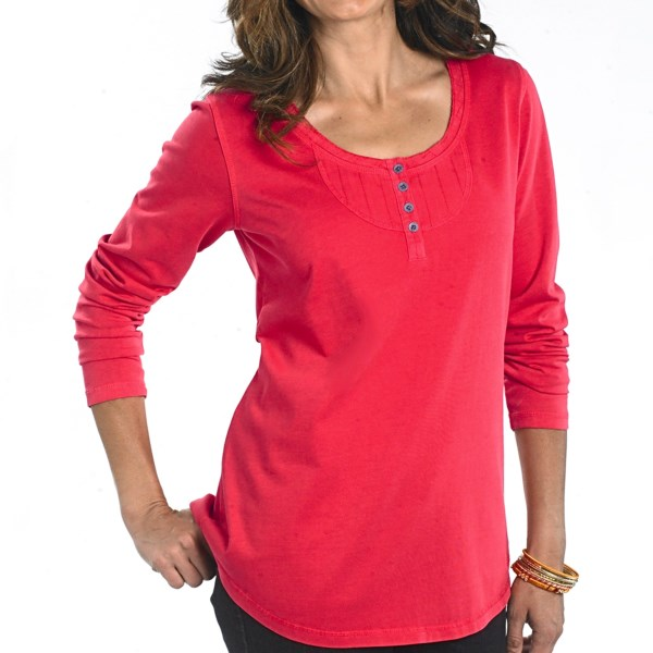 CLOSEOUTS . Check out the contoured cut and stylish bib treatment on Woolrichand#39;s First Fork henley shirt -- a comfortably distressed jersey knit in pigment-dyed cotton with dobby weave bib inset and thin metal buttons. Available Colors: AMBER, DEEP INDIGO, DEEP AQUA, EGGPLANT, RAZZLEBERRY, WHITE, POPPY. Sizes: XS, S, M, L, XL, 2XL, 3XL, 4XL.