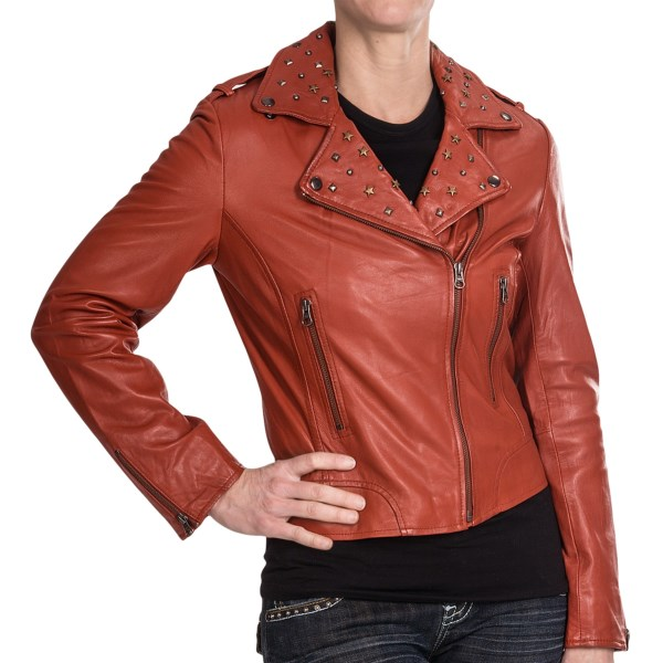CLOSEOUTS . Edgy just got a star-studded makeover -- literally! Scullyand#39;s Vintage motorcycle jacket is made of super-supple lambskin leather with a star-studded collar that adds just enough metal to your sleek, rockinand#39; vibe. Available Colors: RED. Sizes: S, M, L, XL, 2XL.