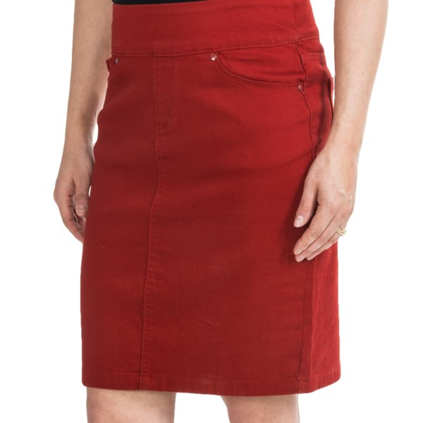 CLOSEOUTS . Simply styled, FDJ French Dressingand#39;s pull-on skirt is a prime starting point for a variety of looks. Try it with button-fronts, blazers, sweaters and tees to create the perfect expression of your personal style! Available Colors: BURNT ORANGE, GRANITE. Sizes: 4, 6, 8, 10, 12, 14, 16, 18, 2, 0.