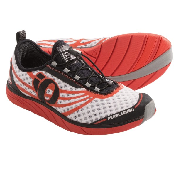 CLOSEOUTS . A minimalist short-course specialist with a seamless upper, Pearl Izumiand#39;s EM Tri N 1 triathlon running shoes offer cushioned, lightweight comfort and lightning-fast transitions for race day. Available Colors: WHITE/CHERRY TOMATO, ELCTRC BLU/SCRMING YELLOW. Sizes: 12, 10, 11, 11.5, 9, 10.5, 12.5, 13, 9.5, 7, 14, 7.5, 8.5, 8.