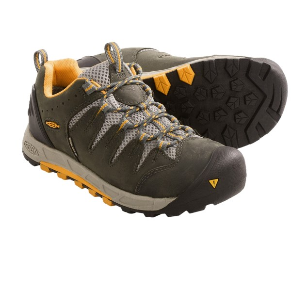 68a997f001f 6PM Keen Footwear Hiking Shoes UPC & Barcode | upcitemdb.com