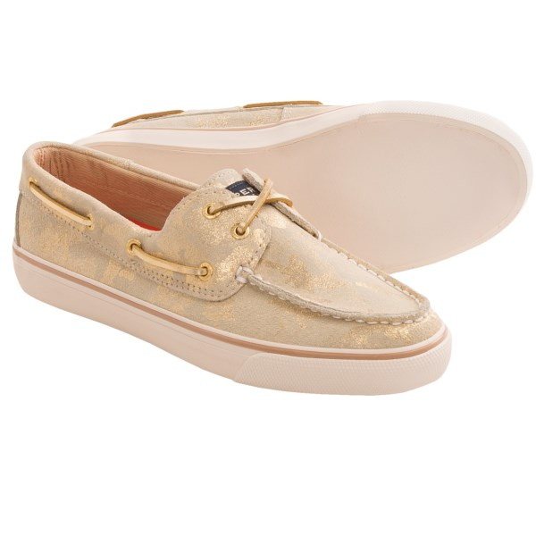 CLOSEOUTS . Sporty and fashion forward, Sperry Top-Siderand#39;s Bahama boat shoes feature a soft, flexible suede upper, all wrapped up in a classic boat-shoe silhouette. Available Colors: GOLD METALLIC CAMO SUEDE, GRAPHITE SUEDE, PURPLE WOOL PLAID/PURPLE CANVAS, TURQUOISE SPARKLE SUEDE, SILVER SEQUINS. Sizes: 5, 5.5, 6, 6.5, 7, 7.5, 8, 8.5, 9, 9.5, 10, 11, 12.