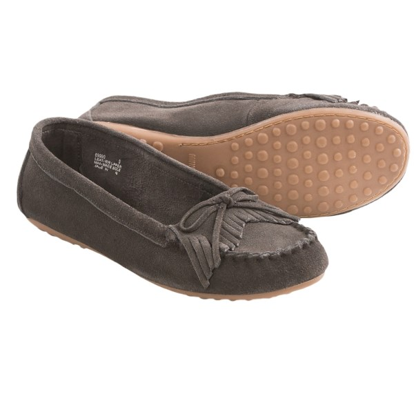 CLOSEOUTS . Step out in Minnetonka Kathleen Kilty moccasins and youand#39;ll be stepping into incredibly comfortable, high-quality, versatile mocs. The smooth suede upper has a cute bow and fun fringe detail that goes perfectly with all kinds of looks; be adventurous! Available Colors: BLACK, CHARCOAL. Sizes: 5, 5.5, 6, 6.5, 7, 7.5, 8, 8.5, 9, 9.5, 10, 11.