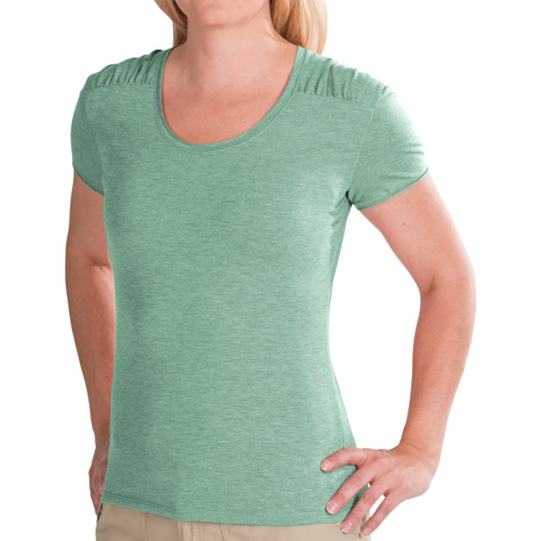 CLOSEOUTS . Made of a super-comfortable stretch fabric blend that wicks moisture, White Sierraand#39;s Tahoe Flex T-shirt is a versatile favorite thatand#39;s ideal for any summer activity. Available Colors: BLACK, EMERALD ISLAND, VINTAGE INDIGO, WHITE, HEATHER EMERALD ISLAND, HEATHER GREY, HEATHER HIBISCUS, HEATHER VINTAGE INDIGO. Sizes: XS, S, M, L, XL.