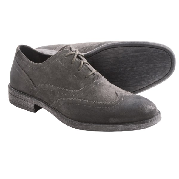 CLOSEOUTS . The classic wingtip comes of age in Andrew Marcand#39;s Vanderbilt suede shoes -- from the brogue-style detail defining the waxed wingtip to the leather-look outsole in grippy rubber. Perfect with todayand#39;s relaxed, deconstructed styles. Available Colors: BLACK, ESPRESSO, OXID. Sizes: 7.5, 8, 8.5, 9, 9.5, 10, 10.5, 11, 12, 13.