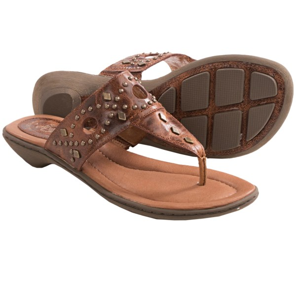 CLOSEOUTS . While the chic T-strap design alludes to breezy beach days and cruise-ship deck attire, the burnished crackle leather and studded detailing atop Ariatand#39;s North Star sandals brings a touch of down-home country appeal. Available Colors: GINGERSNAP, TULIP, ONYX, PEWTER. Sizes: 5.5, 6, 6.5, 7, 7.5, 8, 8.5, 9, 9.5, 10, 11.