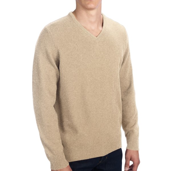 CLOSEOUTS . Painstakingly crafted from sumptuous Scottish cashmere, this Clan Douglas cashmere sweater comes in a fantastic assortment of wardrobe-pleasing colors. Nab your favorite while we still have it in your size! Available Colors: ALMOND, CARDINAL, PIRATE, PETUNIA, OLYMPIAN, PARADISO, BRUME, SPRITE, SERPENTINE, TEAL, FOG, AMBERGRIS, FURNACE, SUNLIGHT, PORCUPINE, FOUNTAIN, ROYAL THISTLE, SAMPHIRE, SISKIN, FAIR ISLE, CAMPIAN, ARABICO, PAISLEY, INK WELL, ORANGE BURST, BRUME/IONA/BRUME. Sizes: M, L, XL, 2XL.