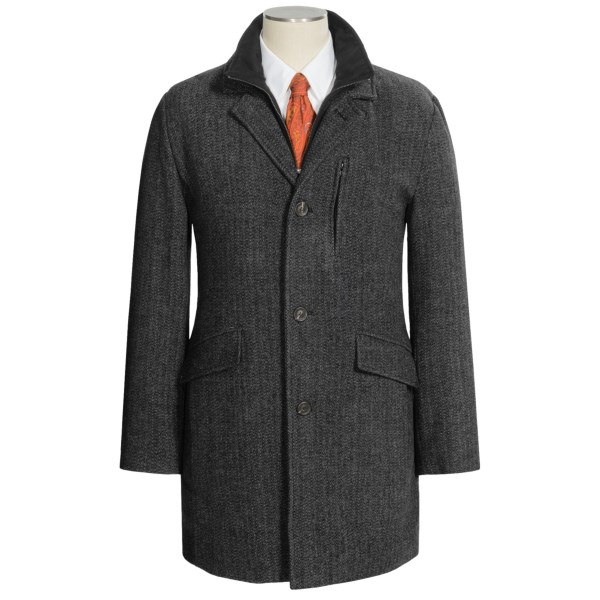 CLOSEOUTS . You donand#39;t need us to tell you that you look polished -- if youand#39;re in Marc New York by Andrew Marcand#39;s Holt top coat, you just instinctively know. Warm, substantial-weight wool blend is topped with a handsome herringbone and fitted with a sueded zip-out bib for an extra layer of protection on chilly, blustery days. Available Colors: MUSHROOM, GREY/BLACK. Sizes: M, L, XL, 2XL.