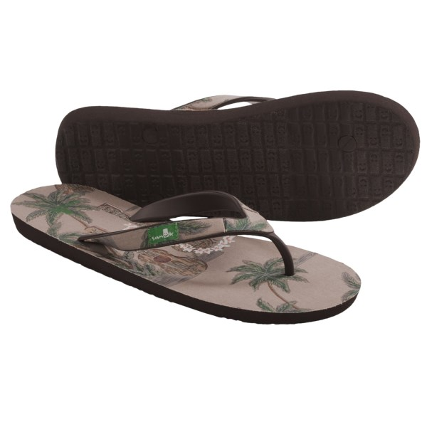 CLOSEOUTS . Like a vacation for your feet, Sanukand#39;s Kona sandals embody the easy-going and island lifestyle. The Happy U rubber outsole will pamper your feet like they deserve. Available Colors: BLUE, BROWN, ORANGE. Sizes: 7, 8, 9, 10, 11, 12, 13.