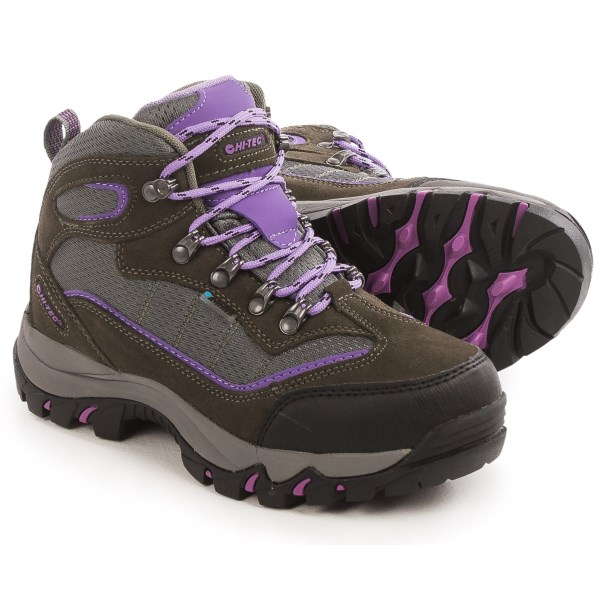 CLOSEOUTS . A waterproof choice for day hikes and trail jaunts, Hi-Tec Skamania hiking boots are a well-cushioned and flexible boot that doesnand#39;t shy away from wet conditions. Available Colors: GREY/VIOLA, TAUPE/SMOKY BROWN/MINT. Sizes: 6.5, 7, 7.5, 8, 8.5, 9, 9.5, 10, 11, 5, 5.5, 6.