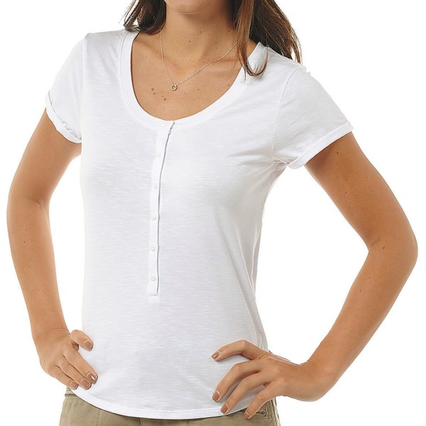 CLOSEOUTS . Made from Horny Toadand#39;s Samba knit and featuring a six-button front, Horny Toadand#39;s Louellen T-shirt is simple and flattering. Available Colors: WHITE, QUARRY, WATERMELON, BLUEPRINT. Sizes: XS, S, M, L, XL, 2XL.