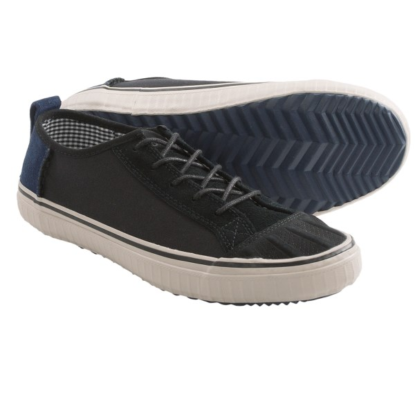 CLOSEOUTS . A perfect pair for your casual wardrobe, Soreland#39;s Berlin Low shoes look relaxed yet polished with a lace-up canvas and suede upper that features a comfy molded insole. Available Colors: BLACK. Sizes: 7, 7.5, 8, 8.5, 9, 9.5, 10, 10.5, 11, 11.5, 12, 13, 14.