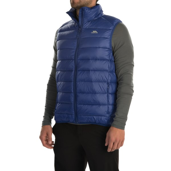 CLOSEOUTS . Core insulation with an outstanding warmth-to-weight ratio, Trespassand#39; Hasty Gilet down vest has 500 fill power down insulation and packs down tiny. Available Colors: BLACK, TWILIGHT. Sizes: XS, S, M, L, XL, 2XL.
