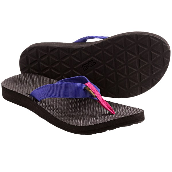 CLOSEOUTS . The Teva Original sandal reaches back into Tevaand#39;s storied history for a classic, old-school style that boasts a contoured EVA topsole for comfort and a Durabrasion Rubber outsole for reliable traction with every step. Available Colors: MELON/PINK, PURPLE/DARK PINK, GREEN/BLUE, CORAL/TEAL, URBAN 2 BROWN, PINK/BLUE, BLACK. Sizes: 5, 6, 7, 8, 9, 10, 11.