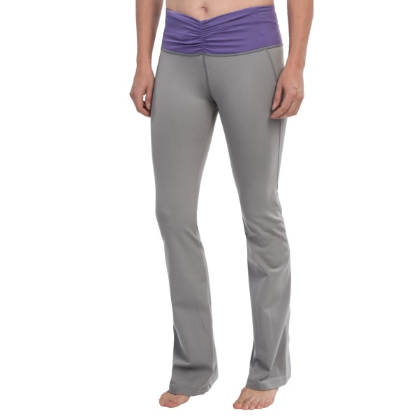 CLOSEOUTS . Youand#39;re looking like a million in your Cozy Orange Pisces yoga pants, made from a butter-soft, lightly compressive knit with super-wide, tummy-taming waistband beautified with ruching. Available Colors: FROST GRAY/DUSKY VIOLET, OPTIC WHITE/ROSEWOOD, RAVEN BLACK/HYACINTH PURPLE. Sizes: XS, S, M, L, XL.