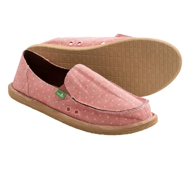 CLOSEOUTS . This just in: You can have it all! The aptly named Dotty shoe from Sanuk combines that oh-so-cushy footbed Sanuk is known for with a seriously cute polka-dot upper in light, earthy canvas with raw-edge detailing. Available Colors: PINK, TAN. Sizes: 5, 6, 7, 8, 9, 10, 11.