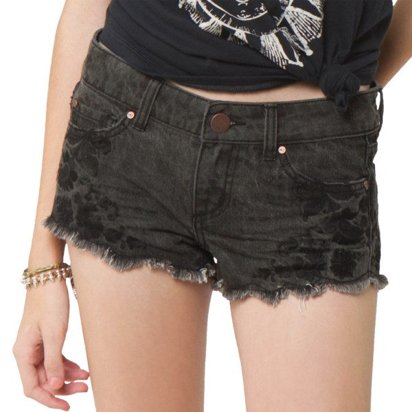 CLOSEOUTS . Sometimes mixing two unlikely things makes for the most stunning look. Oand#39;Neilland#39;s Festival denim shorts combine worn, frayed denim with a gorgeous embroidered floral pattern for truly eye-catching style. Available Colors: CHARCOAL. Sizes: 1, 3, 5, 7, 9, 11.