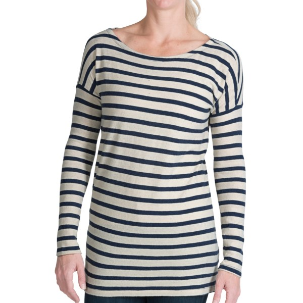 CLOSEOUTS . Featuring sophisticated stripes, dropped shoulder seams and a wide neckline, Dylanand#39;s Stripe Drop Shoulder shirt offers the soft comfort of a sweater in a lightweight cotton knit thatand#39;s perfect for mild weather and cool summer evenings. Available Colors: INDIGO, HEATHER. Sizes: XS, S, M, L, XL.