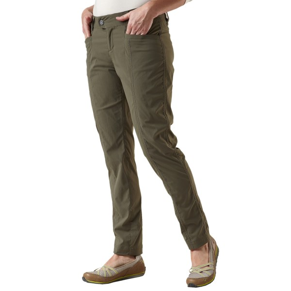 CLOSEOUTS . Made of wrinkle-resistant, quick-drying and stretchy nylon, Royal Robbinsand#39; Discovery pencil pants offer UPF 50  sun protection and travel easily to your next adventure. Available Colors: TAUPE, EVERGLADE. Sizes: 2, 4, 6, 8, 10, 12, 14, 16.