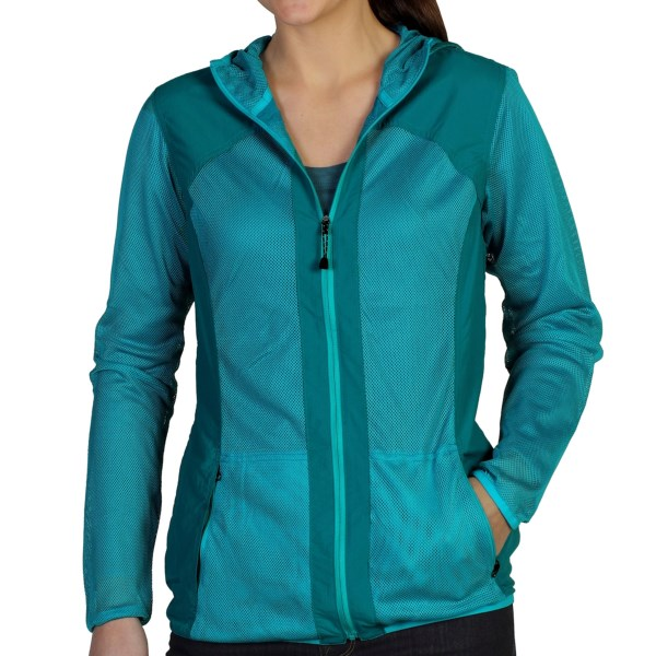 CLOSEOUTS . ExOfficioand#39;s Bugsawayand#174; Damselfly jacket is a highly packable and lightweight jacket and features Insect Shieldand#174; technology that repels insects and allows you to enjoy your day outside. Available Colors: CHLORINE/AQUATIC. Sizes: XS, S, M, L, XL.