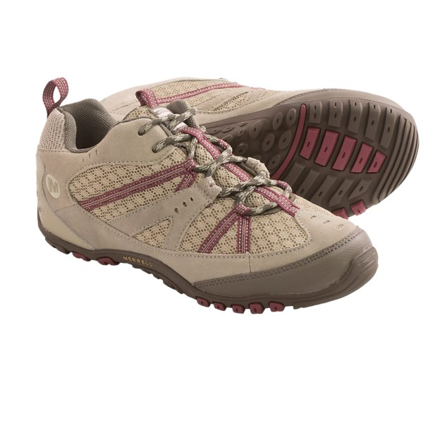 CLOSEOUTS . A flexible day hiker with plentiful cushioning, Merrelland#39;s Oakbrook Ventilator trail shoes have Air Cushionand#174; technology in the heel to cushion each step and an aggressively lugged dual-density rubber outsole. Available Colors: ALUMINUM/RENAISSANCE, VENTCASTLEROCK/BANANA CREAM. Sizes: 5, 5.5, 6, 6.5, 7, 7.5, 8, 8.5, 9, 9.5, 10, 10.5, 11.