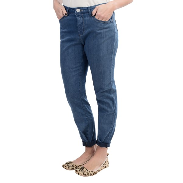 CLOSEOUTS . The cute cropped legs and stretchy, silky denim are a winning combination in FDJ French Dressingand#39;s Olivia Summer ankle pants; the chic, flawless finish and flattering cut make these a versatile pair that easily transition from casual to dressy. Available Colors: LIGHT WASH. Sizes: 2, 4, 6, 8, 10, 12, 14.