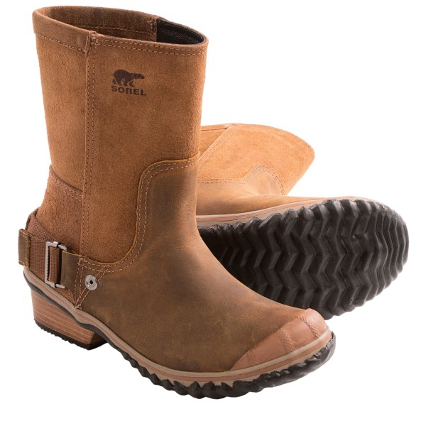 CLOSEOUTS . The most original collision of fashion and function around, Soreland#39;s Slimshortie boot combines a dual-texture leather upper with a rugged-yet-sleek silhouette and edgy heel-strap detail. Available Colors: ELK/GRIZZLY BEAR. Sizes: 5, 5.5, 6, 6.5, 7, 7.5, 8, 8.5, 9, 9.5, 10, 10.5, 11, 12.
