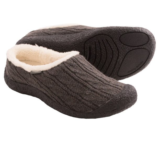 CLOSEOUTS . If shoes could talk, Keenand#39;s Howser II slide slippers would be the talk of the town. The cozy, sweater-knit upper, plush fleece lining and distinctive Keen design combine for the ultimate in toasty, indoor-outdoor performance. Available Colors: CASCADE BROWN, FOREST NIGHT, MAGNET, PRINT. Sizes: 5, 5.5, 6, 6.5, 7, 7.5, 8, 8.5, 9, 9.5, 10, 10.5, 11.