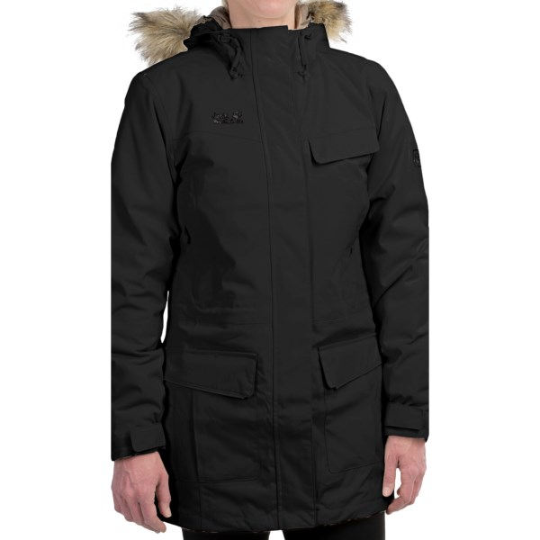 CLOSEOUTS . The robust oxford weave and exceptionally warm 200g MICROGUARD insulation of the Jack Wolfskin Alberta parka is perfect for harsh Canadian winters or anywhere chilly winds blow. Available Colors: WHITE SAND, BLACK. Sizes: XS, S, M, L, XL, 2XL, 3XL.