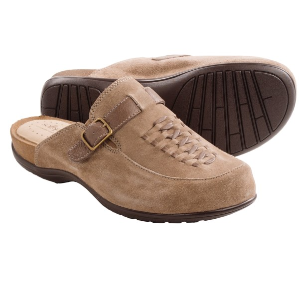 CLOSEOUTS . Treat your feet to a plush and comfortable pair of SoftSpots Cam clogs. Topped with vintage huarache detail, these shoes have a versatile look that pair well with your favorite ensemble. Available Colors: DRUM BROWN/BROWNWOOD, BLACK/BLACK, TAUPE/CLAY SUEDE, NIGHT NAVY SUEDE. Sizes: 6, 6.5, 7, 7.5, 8, 8.5, 9, 9.5, 10, 11.
