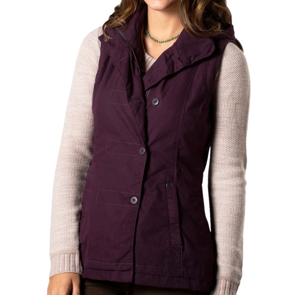 CLOSEOUTS . A waxed-cotton original inspired by European layering conventions, Horny Toadand#39;s Berliner vest gives you moderate shelter from wind and rain in a vintage, street-wise package with offset button closure and removable hood. Available Colors: DARK GRAPHITE, DARK PLUM. Sizes: XS, S, M, L, XL, 2XL.