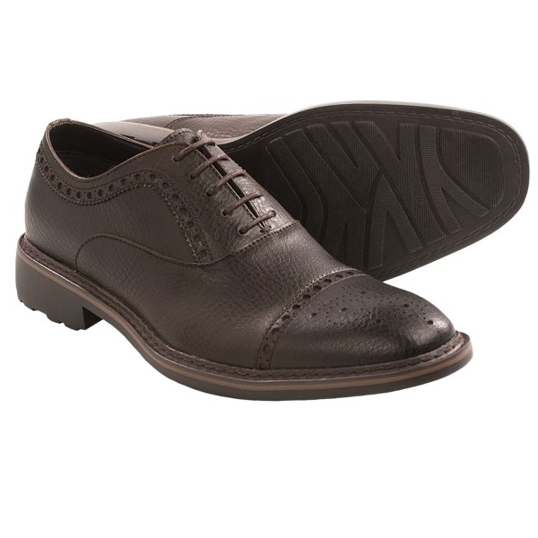 CLOSEOUTS . Richly pebbled leather and eye-catching brogued detailing brings a subtly rugged style to the sophisticated air of Robert Wayneand#39;s Alton oxford shoes. An amply padded footbed with memory foam ensures cushy comfort all day long. Available Colors: DARK BROWN. Sizes: 8, 8.5, 9, 9.5, 10, 10.5, 11, 11.5, 12, 13.