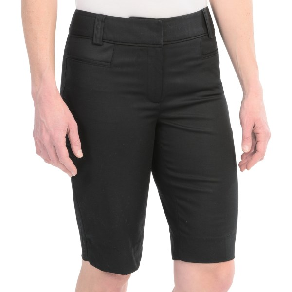 4 Pocket Stretch Bermuda Shorts Flat Front (For Women)