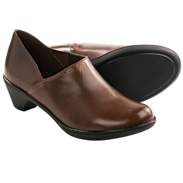 CLOSEOUTS . Crafted from exquisitely soft kid leather, Danskoand#39;s Baylee shoes have the kind of profile that looks terrific with dress trousers and career ensembles -- a true desk-to-dinner staple. Youand#39;ll love the sleek asymmetric lines, high top line and superb Dansko comfort from heel to toe. Available Colors: BLACK, BROWN. Sizes: 36, 37, 38, 39, 40, 41, 42.