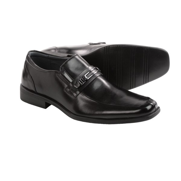 CLOSEOUTS . Classic good looks and modern comfort make Steve Maddenand#39;s Cirka shoes an ideal choice for the office or a night on the town. Premium leather is accented with elegant buckle detail for refined style. Available Colors: BLACK. Sizes: 7, 7.5, 8, 8.5, 9, 9.5, 10, 10.5, 11, 11.5, 12, 13.