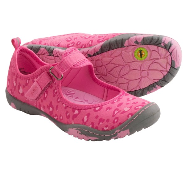 CLOSEOUTS . Jambuand#39;s Ara water shoes are the amphibious divaand#39;s summer go-to! These babies feature a sassy animal-print upper in silky, quick-dry fabric, complete with a foot-securing instep strap and a superlight, super-flexible outsole that grips when it counts. Available Colors: PINK, PERIWINKLE. Sizes: 4, 5, 6, 7, 13, 1, 2, 3.