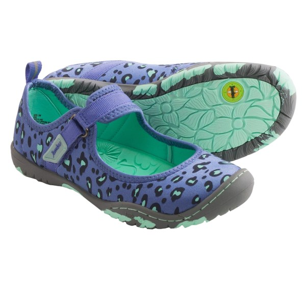 CLOSEOUTS . Jambuand#39;s Ara water shoes are the amphibious divaand#39;s summer go-to! These babies feature a sassy animal-print upper in silky, quick-dry fabric, complete with a foot-securing instep strap and a superlight, super-flexible outsole that grips when it counts. Available Colors: PINK, PERIWINKLE. Sizes: 9, 10, 11, 12.