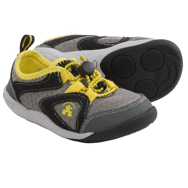 CLOSEOUTS . You knew it was coming... the second your little tyke found his footing, he was off, and now youand#39;ve got to find the perfect little sneakers to keep up! Enter Kamikand#39;s Speedy sneakers, designed to be light, super grippy and low on bulk so fast-moving little tootsies can get their run on (safely). Available Colors: DARK BLUE, YELLOW. Sizes: 5, 6, 7, 8, 9, 10, 11, 12.