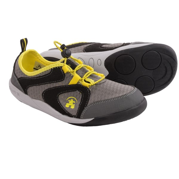 CLOSEOUTS . The second your kid found his footing, he was off, and ever since, youand#39;ve been on the hunt for the perfect little sneakers to keep up! Enter Kamikand#39;s Speedy sneakers, designed to be light, super grippy and low on bulk so fast-moving kid feet can get their run on (safely). Available Colors: DARK BLUE, YELLOW. Sizes: 4, 5, 6, 7.