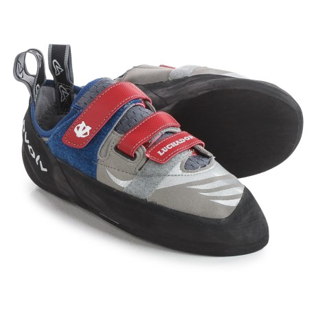 Evolv Luchador SC Climbing Shoes (For Men and Women) in Grey