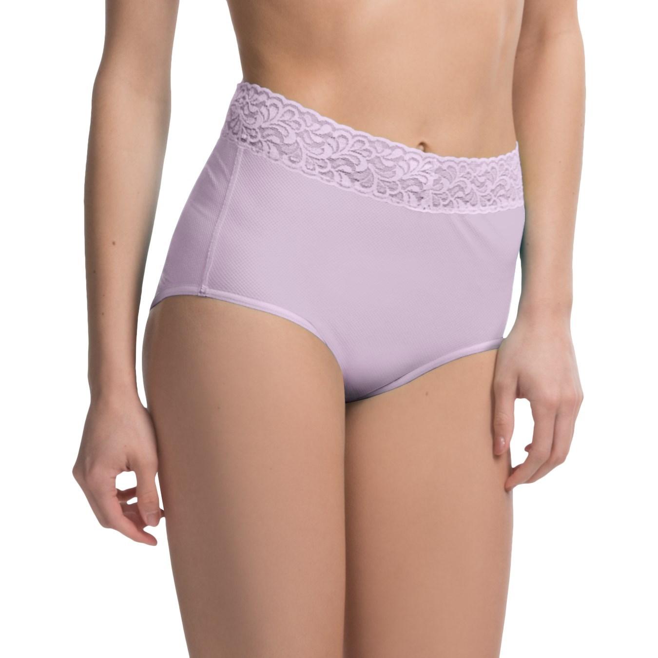 Women In Full Cut Panties 77